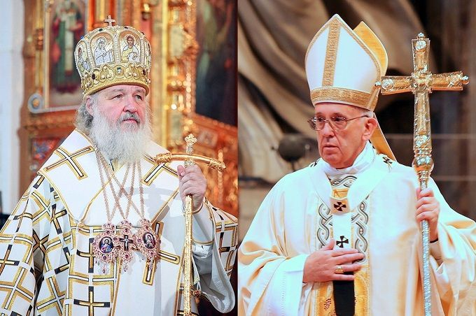 Russian_Orthodox_Patriarch_Kirill_L_Credit_PatriarchiaRu_PopeFrancis_R_Credit_Alexey_Gotovsky_CNA
